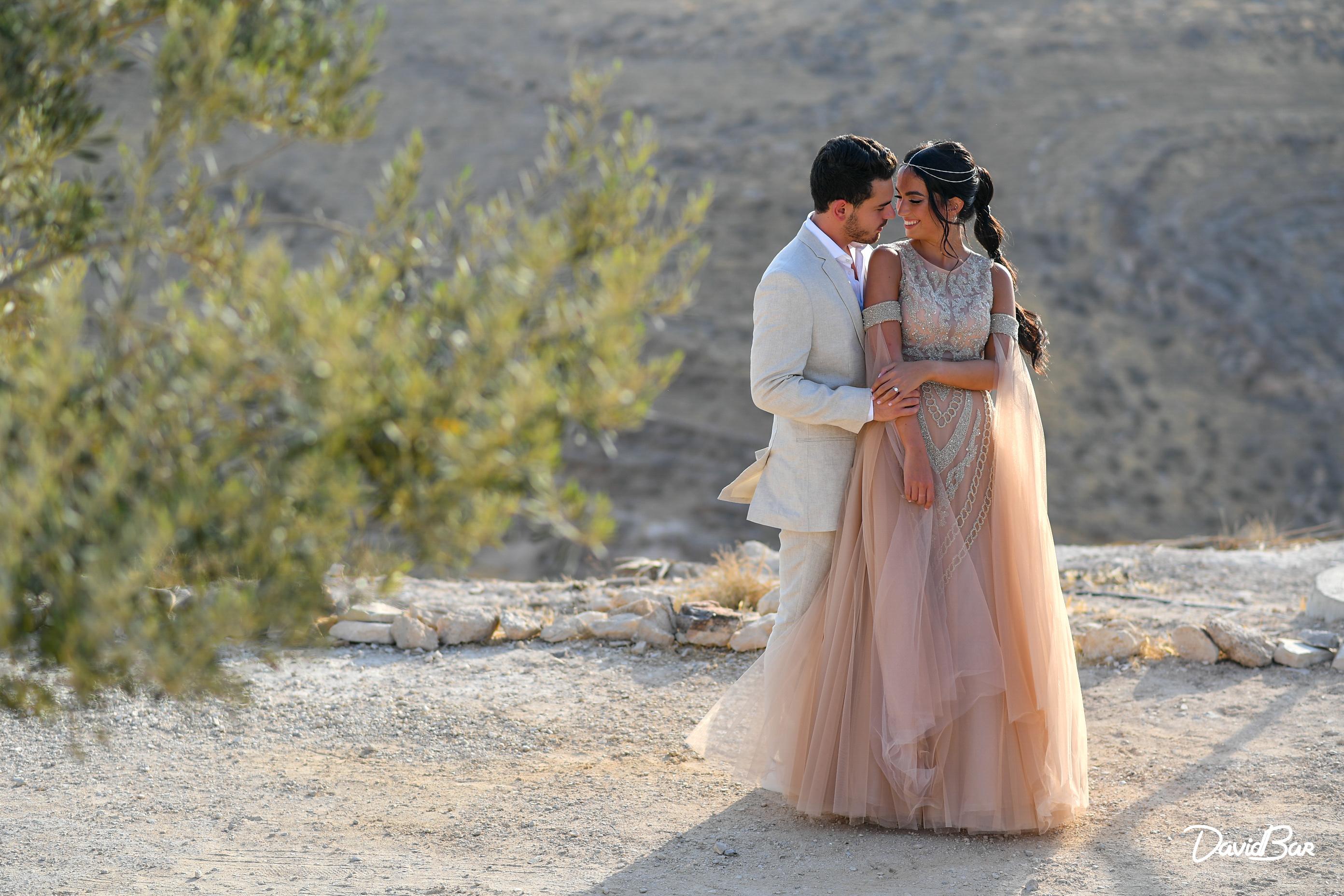 Wedding on the edge of a cliff. Photos by David Bar