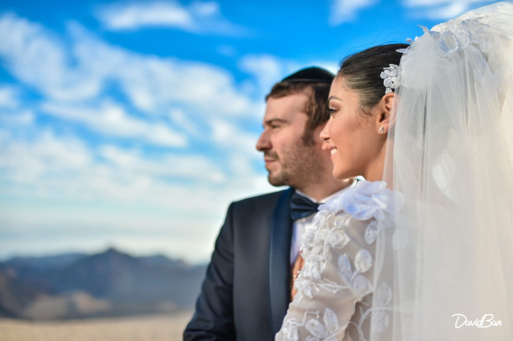 Newlyweds in Israel. Photographie de Maraige David Bar